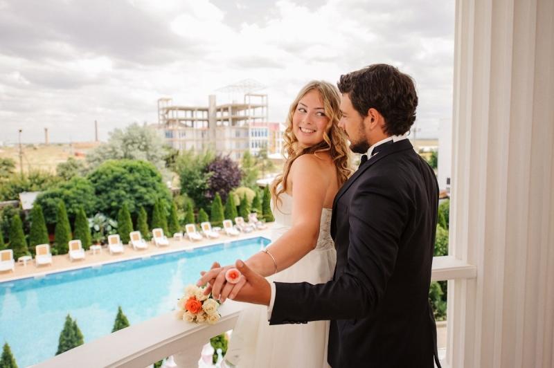 Свадьба в Крыму у моря в пансионате Апельсин