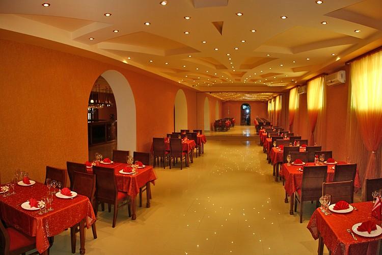Ресторан гостиницы Николаевки Апельсин
