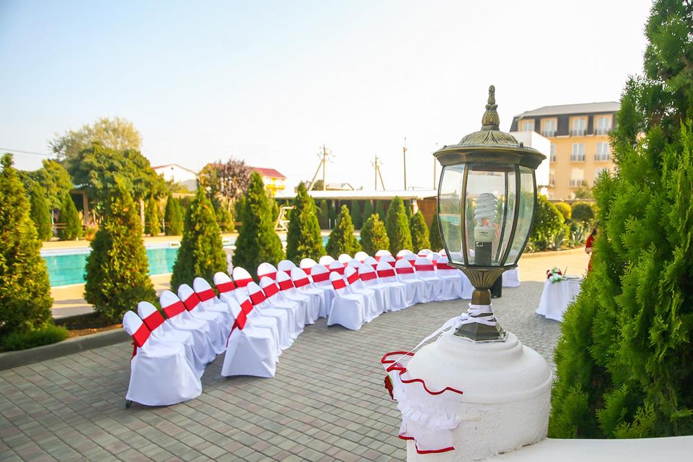 Места для гостей – свадьба на берегу моря в Крыму