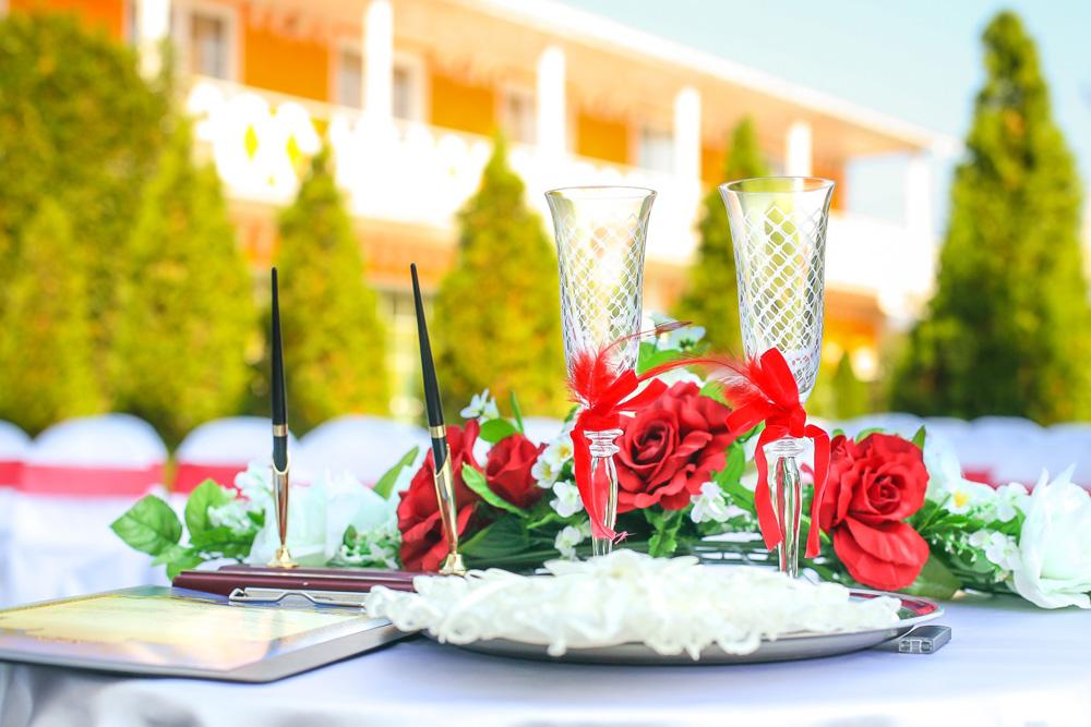 Организация свадьбы у моря в пансионате Апельсин
